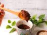 〚234カロリー〛オートミールの超簡単マグカップケーキ|ブラウニー風!